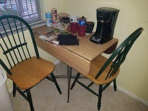 SMALL ADJUSTABLE KITCHEN TABLE for Sale in Pompano Beach, FL