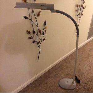 """Outline lamp, 8imch light 6"""" lamp for Sale in Chesapeake, VA"""