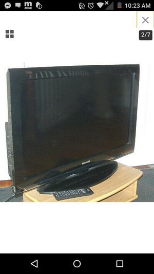 Toshiba tv '32'inches for Sale in North Providence, RI