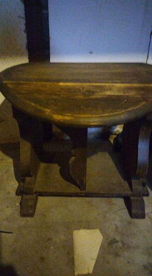 Old antique table need to be refinished for Sale in Wyandotte, MI