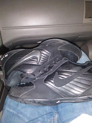 Mens Nike shoes (size 10.5) for Sale in Auburn, WA