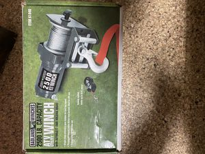 Badland Winch 2500lbs for Sale in San Diego, CA