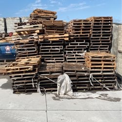 $0.00 FREE Pallets FREE for Sale in Orlando,  FL