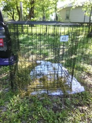 dog kennel lg for Sale in Del Valle, TX