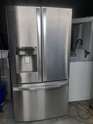 Kenmore Elite refrigerator w/1 year warranty for Sale in Virginia Beach, VA