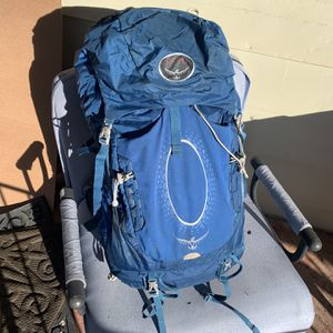 Osprey Atmos 65L Hiking Backpack (medium frame) for Sale in Durham, NC