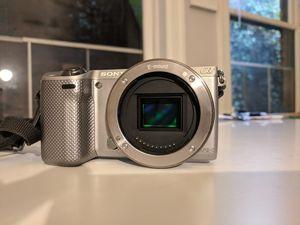 Sony NEX-5r mirrorless camera for Sale in Seattle, WA
