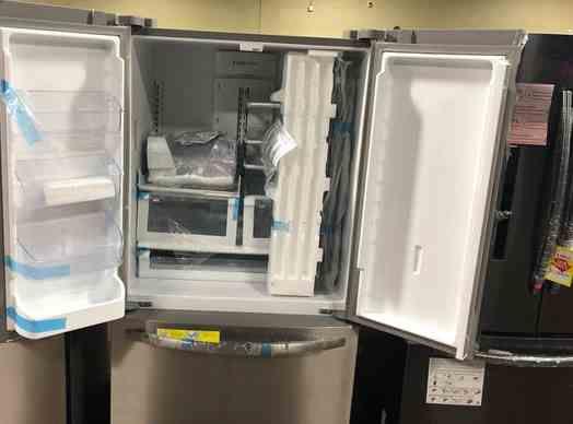 Frigidaire Refrigerator (Model:LFHG2251TF) 6T