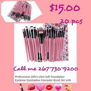 Makeup Brush set with Bag for Sale in Philadelphia, PA