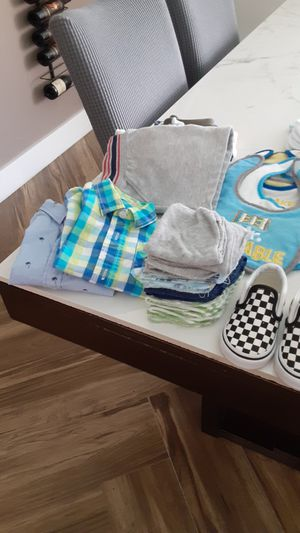 40 pieces of baby boy clothes months for Sale in Boca Raton, FL