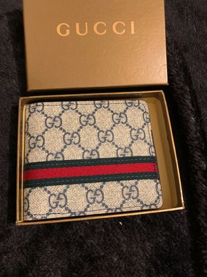 Gucci wallet make me a offer ! for Sale in Ontario, CA