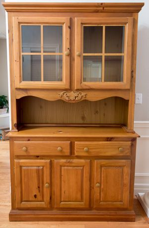 Rustic pine china cabinet for Sale in Snohomish, WA
