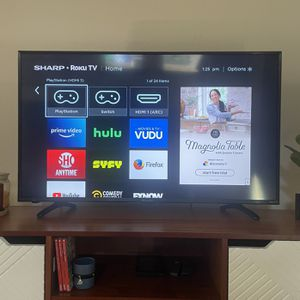 """43"""" LED - Smart TV - 4K UHD with HDR - Roku for Sale in Portland, OR"""