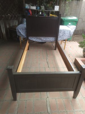 Twin size bed frame cash only $60 OBO for Sale in Spring Valley, CA