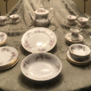 Royal Albert England Lavender Rose Pattern Bone China for Sale in Orlando, FL