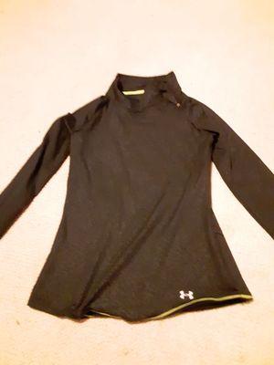 Under armour medium long sleeve shirt, fleece long sleeve , columbia heated shoe and bed buddy foot warmers for Sale in Waterloo, IA