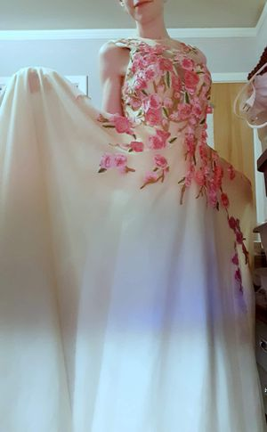 Beautiful Dress for Sale in Sumter, SC