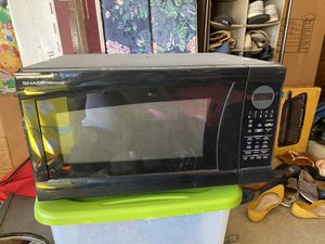Sharp Carousel Microwave for Sale in Green Cove Springs, FL