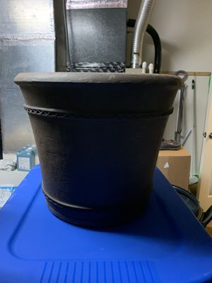 Large Plastic Flower Pot for Sale in Lutz, FL