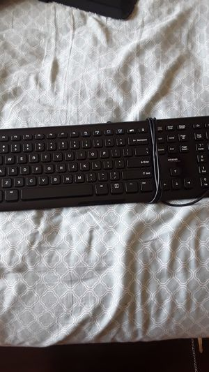 Amazon basics wired keyboard for Sale in Meridian, ID