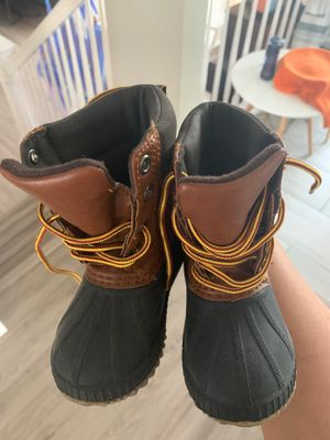 Boys size 5/6 toddler snow boots for Sale in Pleasant Hill, CA