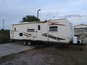 2008 flagstaff 28ft camper for Sale in Dundee, FL