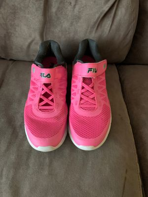 FILA women's/ girls size 6 sneakers for Sale in Winston-Salem, NC
