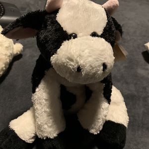 Stuffed Animal Cow for Sale in Philadelphia, PA
