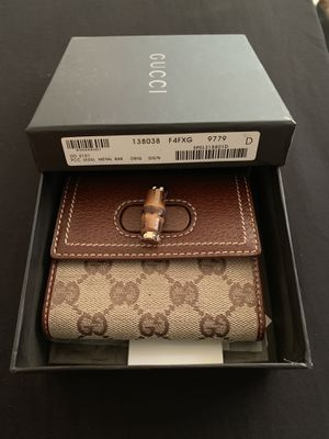 Gucci Bamboo Wallet for Sale in Ontario, CA
