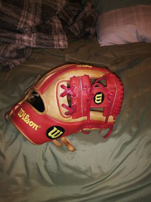 Rare Wilson Sweet Lou Glove for Sale in Las Vegas, NV
