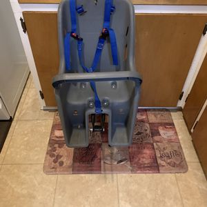 Bell Bicycle Child Carrier for Sale in Roseville, MI