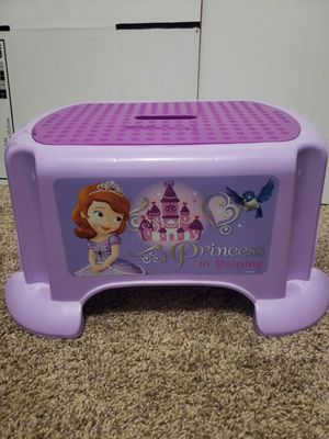 Sofia the First Disney Step Stool for Sale in Bend, OR