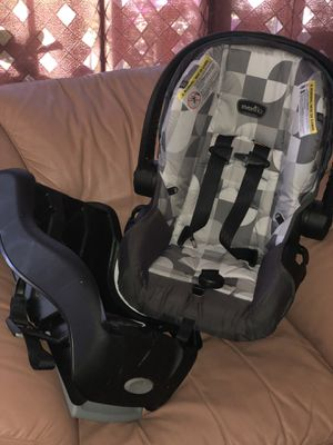 Almost new car seat for Sale in Bethel, NC