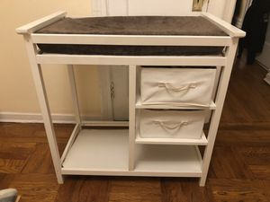 Baby changing table with pad and covers for Sale in Brooklyn, NY