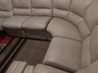 GENUINE LEATHER 100% REAL,6 PIECE ,WITH 2 RECLINER MANUAL.. DELIVERY SERVICE AVAILAIBLE for Sale in North Miami Beach,  FL