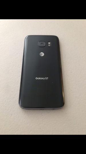 Samsung galaxy s7 de 32gb for Sale in Visalia, CA