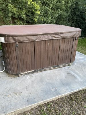 Life spa hot tub for Sale in Chino, CA
