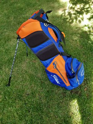 Titleist Golf Bag (New York Mets Colors) Orange/Blue/Black, 4 Way Divider 7 Pocket Built In Stand Excellent Condition, One Owner.. for Sale in Concord, CA