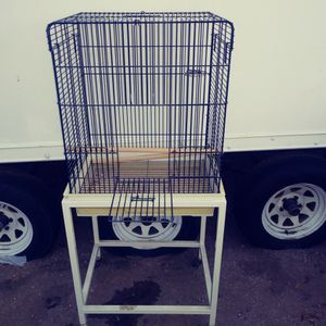 BIRD. CAGE for Sale in Palmdale, CA