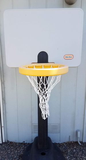 Little Tikes Adjust 'n Jam Basketball Hoop (adjusts to 5 heights from 4' to 6' ) for Sale in Phoenix, AZ