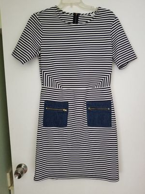 CASUAL DRESS WITH DENIM POKETS SIZE 12 for Sale in Glendale, CA