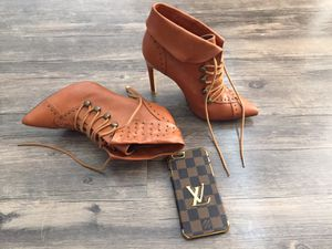 HIGH HEELS BOOTS AND PHONE CASE! Loike new Worn once, size 6. Phone case fits iPhone 6 and 6s for Sale in Atlanta, GA