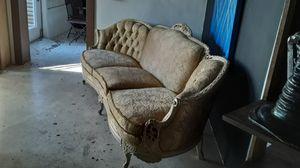 Vintage sofa. for Sale in Oakland Park, FL
