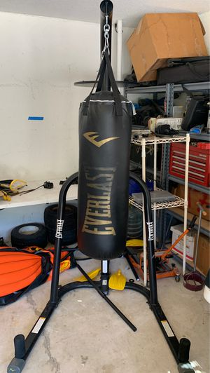 Everlast punching bag with speed bag attachment for Sale in Loxahatchee, FL