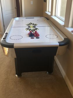 Air Hockey Table for Sale in Brentwood,  CA