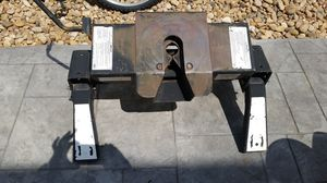Reese 5th wheel hitch 16k without rails for Sale in Lafayette, CO