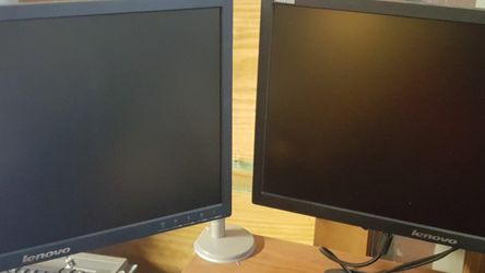 """2 - Lenovo Thinkvision 23"""" LT2323 with 2 Humanscale M2 ARM for Sale in Chino,  CA"""