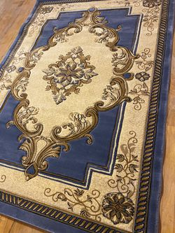 New area rug 7x5 for Sale in Pittsburgh,  PA