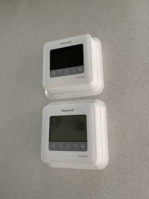 2x Honeywell Thermostats for Sale in Denver, CO