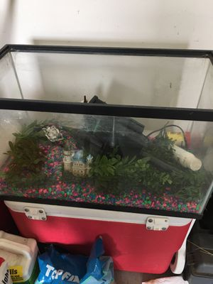 Fish tank for Sale in Greenville, SC